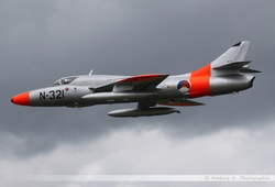Hawker Hunter - N-321